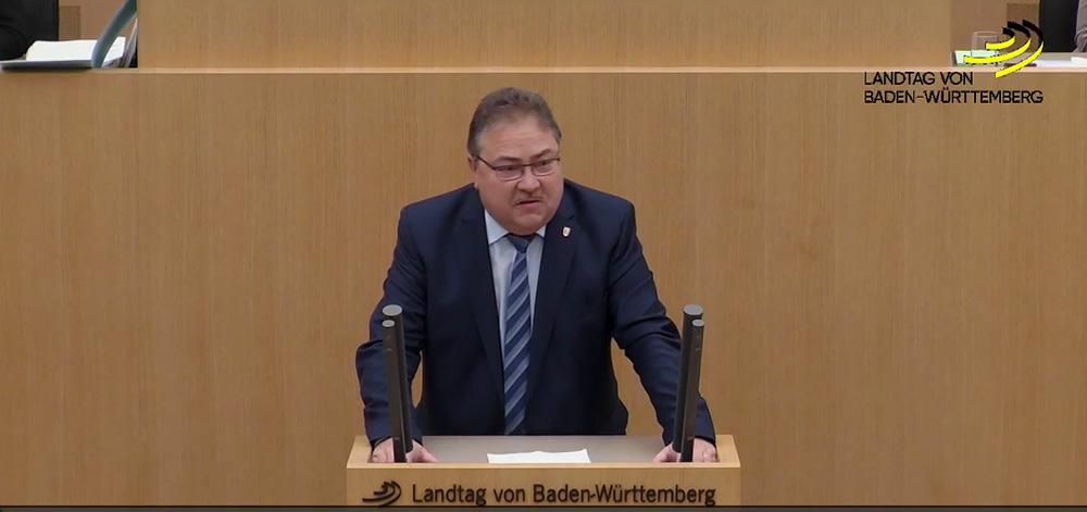Staatshaushaltsplan 2018/19: mehr linksextreme Bildung, mehr Selbstbedienung,...